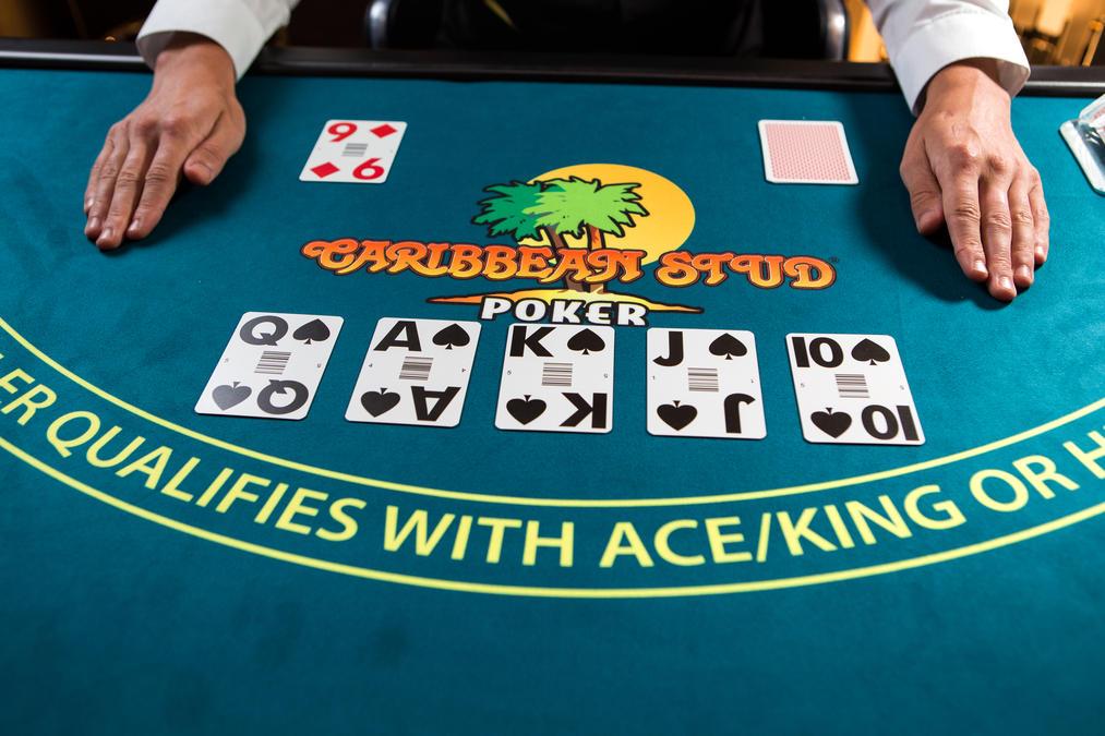 Asyiknya Bermain Poker Online